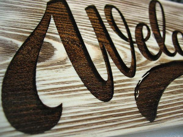 lletres de fusta tallades en làser