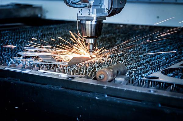 màquina de tall làser, permet tallar amb precissió gairabé qualsevol material