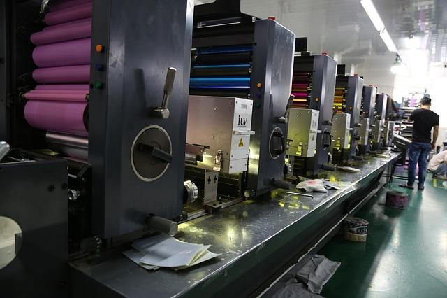 maquina offset de 6 cuerpos, puede imprimir hasta 6 colores de una sola tirada